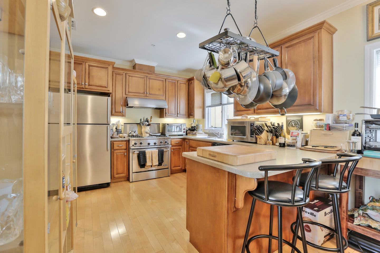 Maison accolée pour l Vente à 38 Lorton Avenue 38 Lorton Avenue Burlingame, Californie 94010 États-Unis