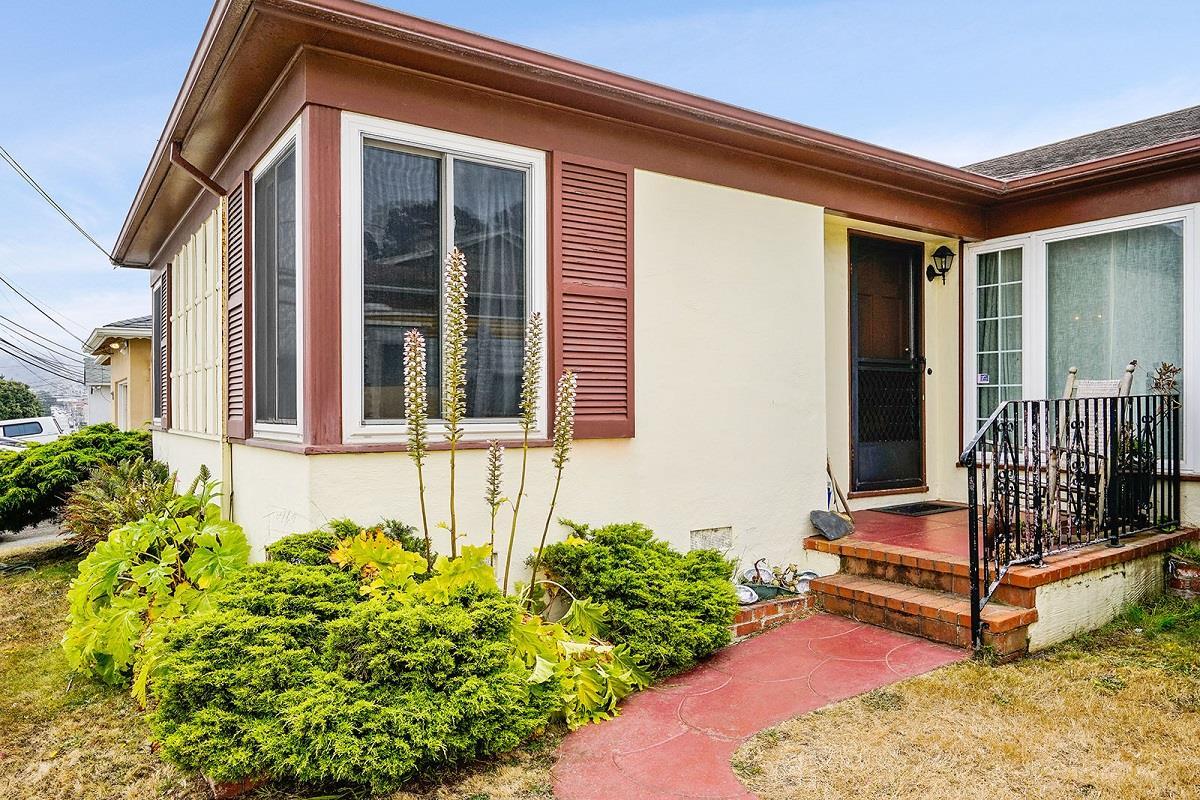 Maison unifamiliale pour l Vente à 735 87th Street 735 87th Street Daly City, Californie 94015 États-Unis