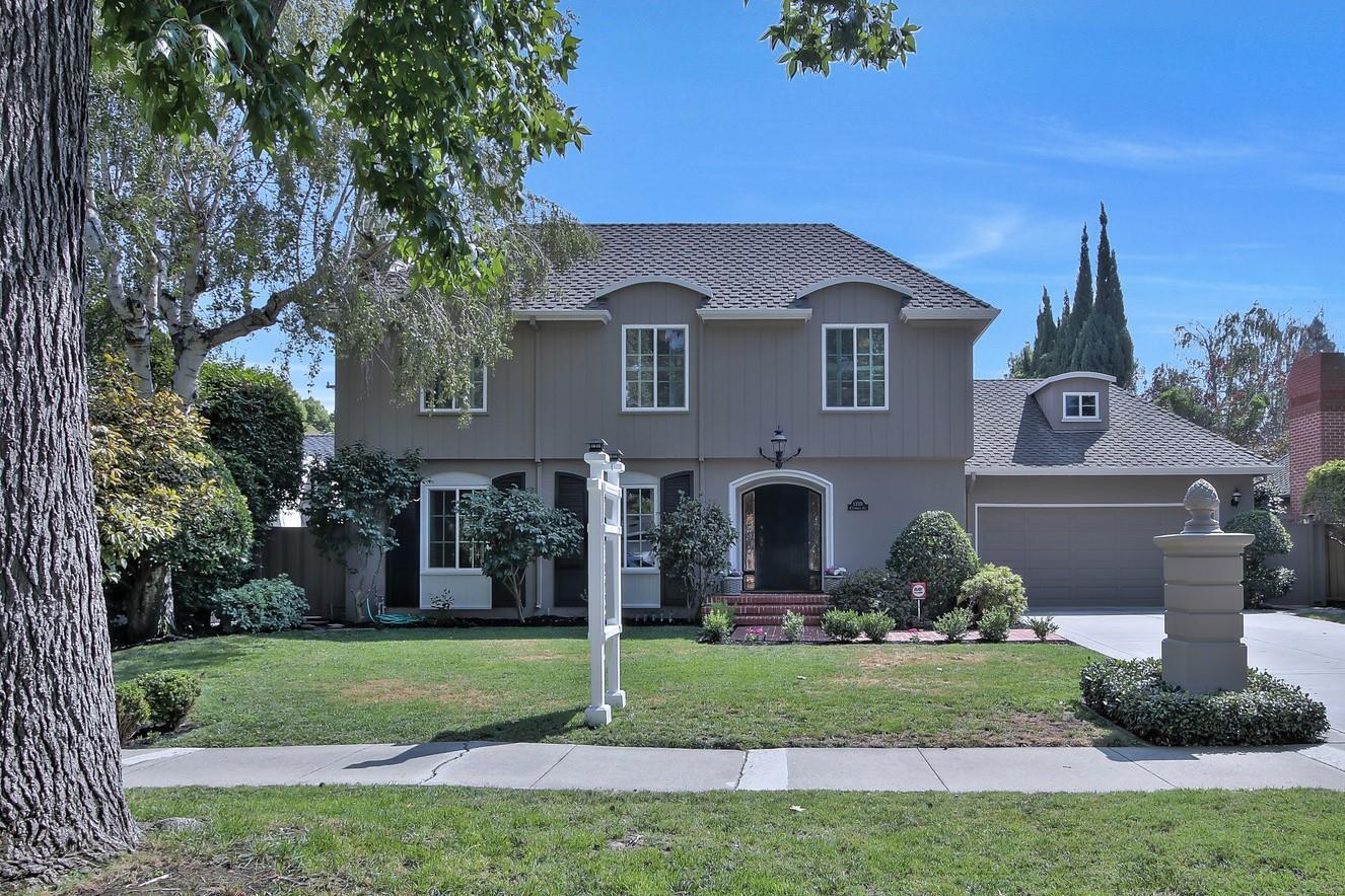 Частный односемейный дом для того Продажа на 1350 E Campbell Avenue 1350 E Campbell Avenue Campbell, Калифорния 95008 Соединенные Штаты