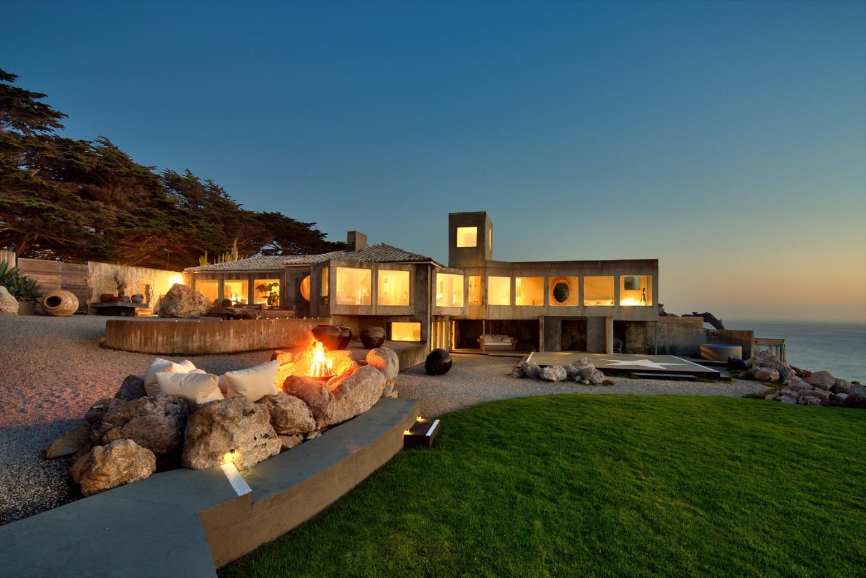 Частный односемейный дом для того Продажа на 8322 Cabrillo Highway Montara, Калифорния 94037 Соединенные Штаты