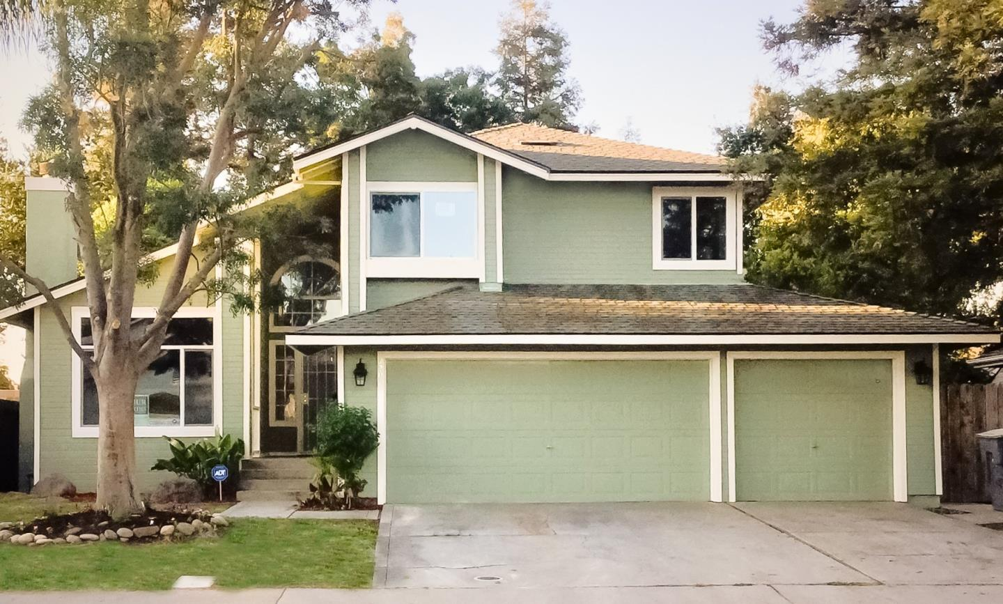 Single Family Home for Sale at 2207 Colony Manor Drive Riverbank, California 95367 United States
