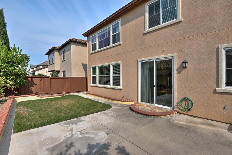 Einfamilienhaus für Verkauf beim 4523 Arce Street Union City, Kalifornien 94587 Vereinigte Staaten