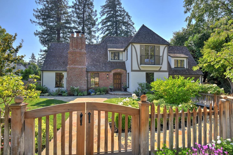Casa Unifamiliar por un Venta en 1414 Edgewood Drive Palo Alto, California 94301 Estados Unidos