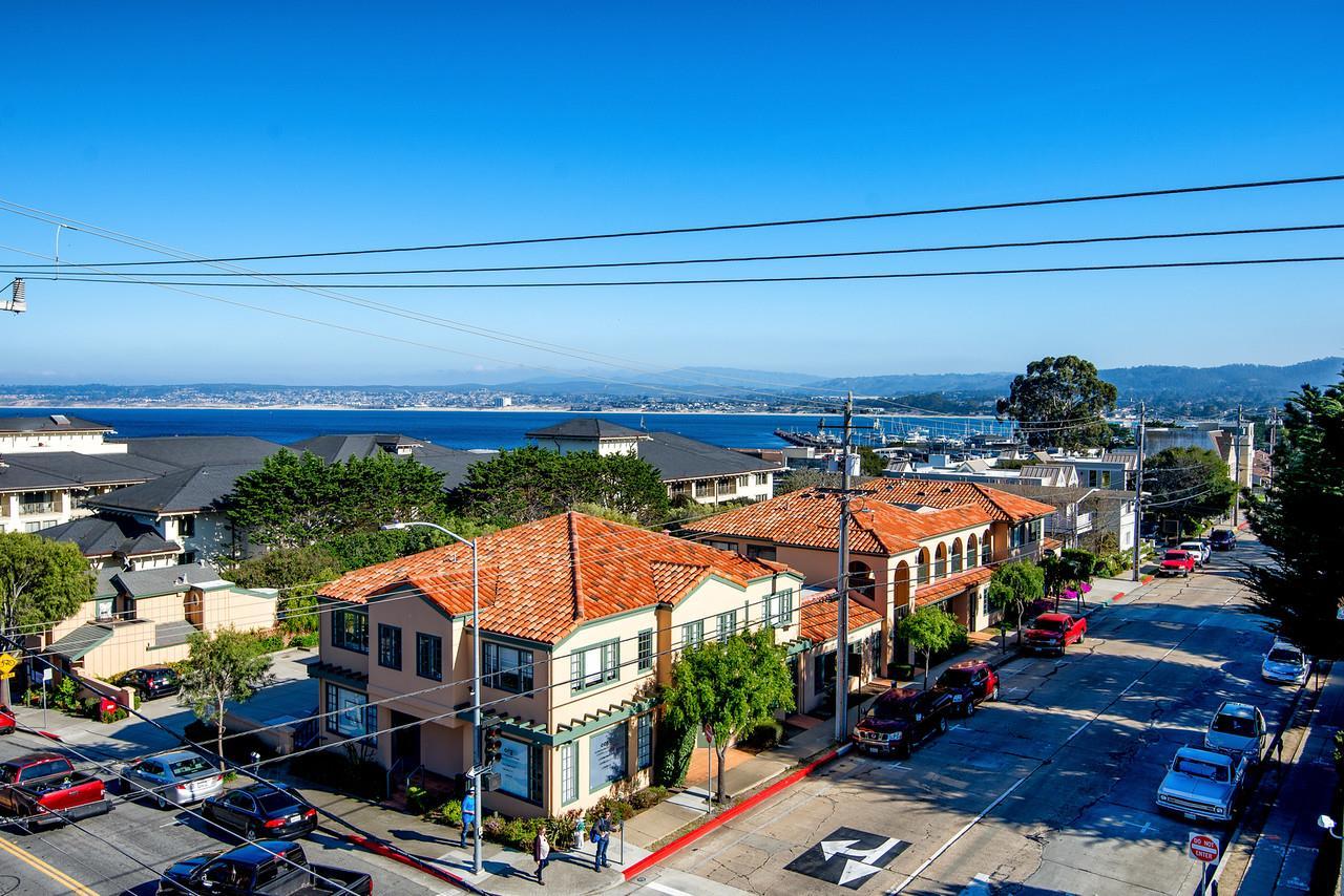 Commercial pour l Vente à 380-398 Foam Street Monterey, Californie 93940 États-Unis