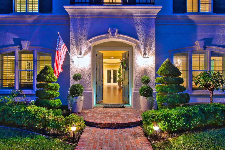 獨棟家庭住宅 為 出售 在 5321 Laurel Canyon Drive 5321 Laurel Canyon Drive San Jose, 加利福尼亞州 95138 美國