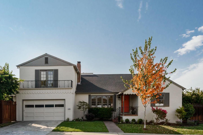 Maison unifamiliale pour l Vente à 1510 Ray Drive 1510 Ray Drive Burlingame, Californie 94010 États-Unis