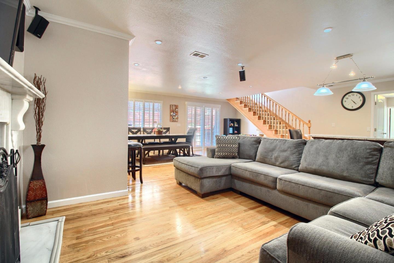 Casa Unifamiliar por un Venta en 2766 Fleetwood Drive San Bruno, California 94066 Estados Unidos