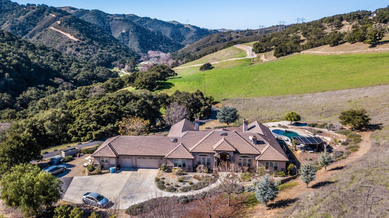 Einfamilienhaus für Verkauf beim 4596 San Juan Canyon Road San Juan Bautista, Kalifornien 95045 Vereinigte Staaten