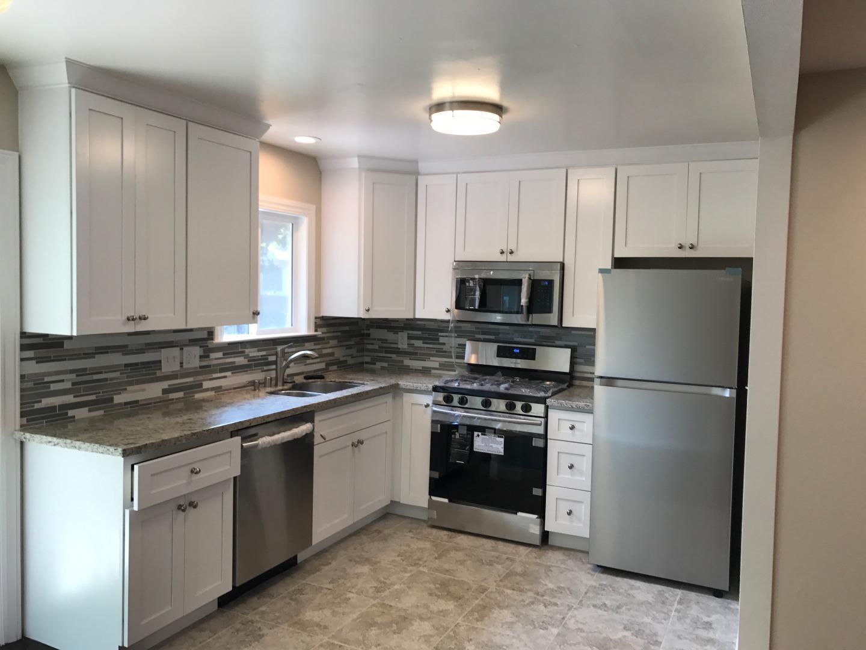 Maison avec plusieurs logements pour l Vente à 20979 Tabua Court Hayward, Californie 94541 États-Unis