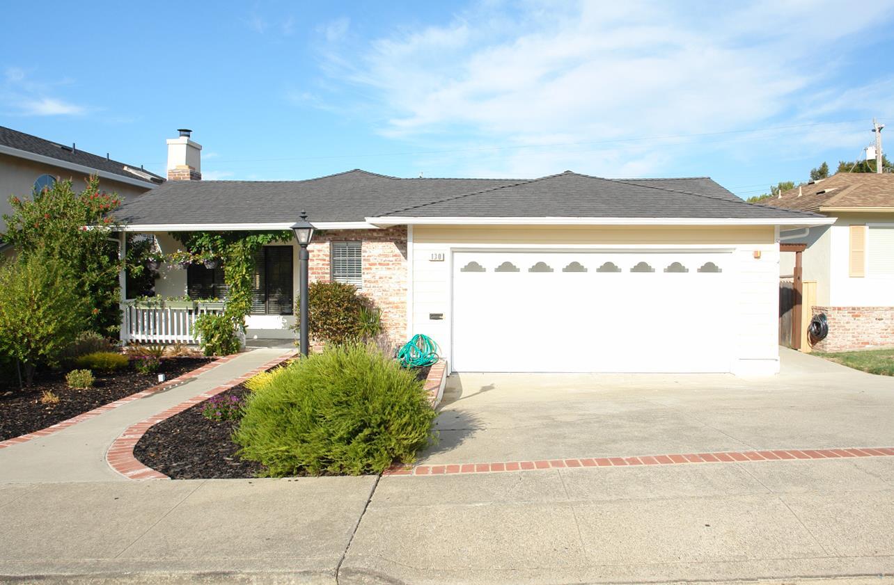 Casa Unifamiliar por un Venta en 130 Parkview Drive San Bruno, California 94066 Estados Unidos