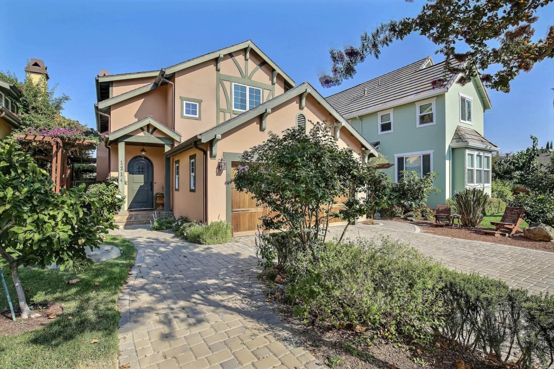 واحد منزل الأسرة للـ Sale في 1214 Hollenbeck Avenue Sunnyvale, California 94087 United States