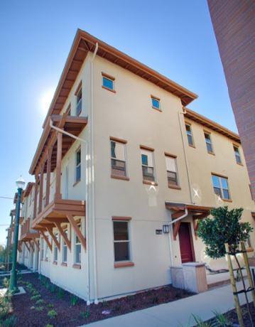 Кондоминиум для того Продажа на 2687 Fifth Street 2687 Fifth Street Alameda, Калифорния 94501 Соединенные Штаты