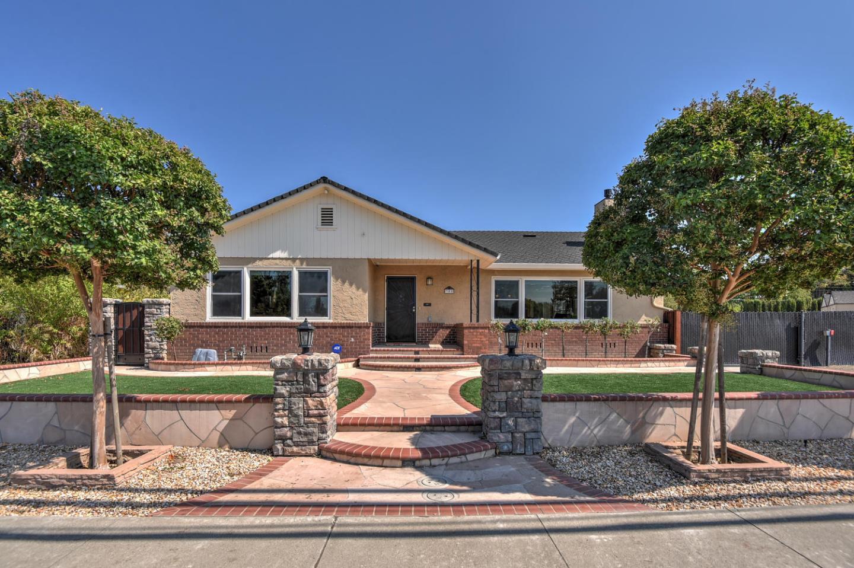 Einfamilienhaus für Verkauf beim 388 Virginia Avenue Campbell, Kalifornien 95008 Vereinigte Staaten