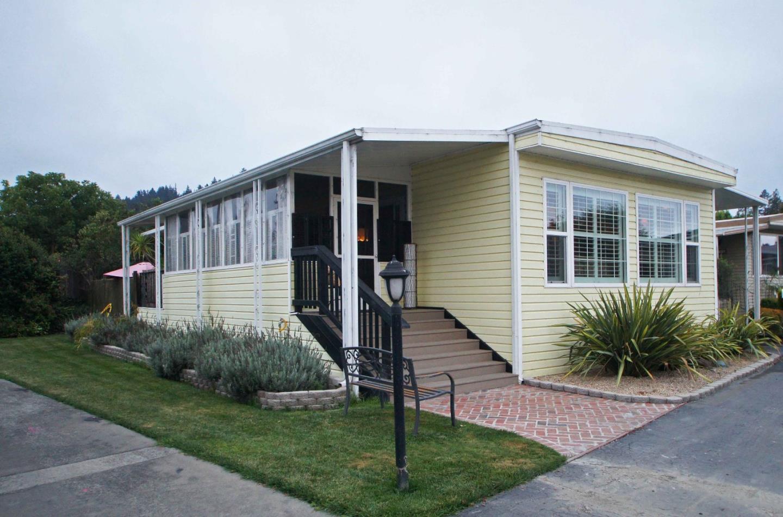 Einfamilienhaus für Verkauf beim 225 Mount Hermon Road 225 Mount Hermon Road Scotts Valley, Kalifornien 95066 Vereinigte Staaten
