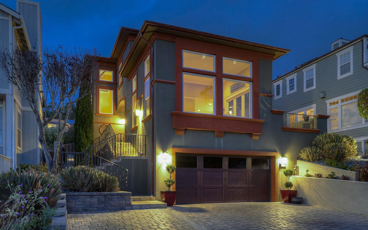 واحد منزل الأسرة للـ Sale في 830 Avenue Balboa 830 Avenue Balboa El Granada, California 94018 United States