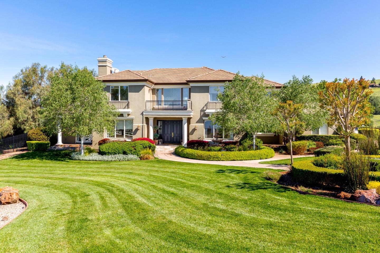 Maison unifamiliale pour l Vente à 2965 Paseo Robles Avenue 2965 Paseo Robles Avenue San Martin, Californie 95046 États-Unis