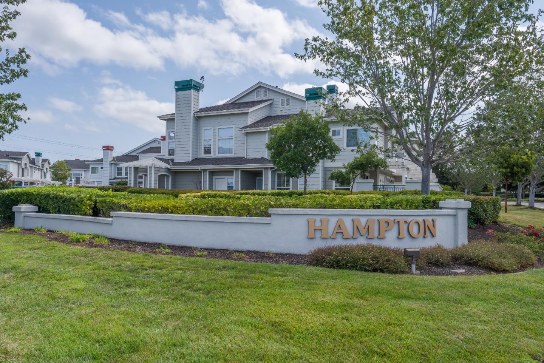 Maison accolée pour l Vente à 591 Shoal Circle 591 Shoal Circle Redwood City, Californie 94065 États-Unis