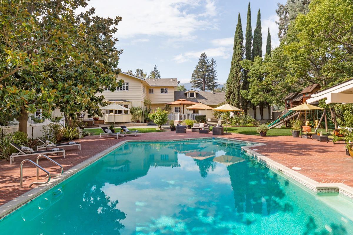 Maison unifamiliale pour l Vente à 1225 Magdalena Court Los Altos, Californie 94024 États-Unis