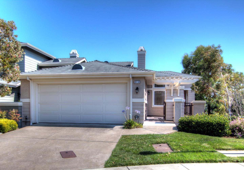 Stadthaus für Verkauf beim 213 Golden Eagle Lane 213 Golden Eagle Lane Brisbane, Kalifornien 94005 Vereinigte Staaten