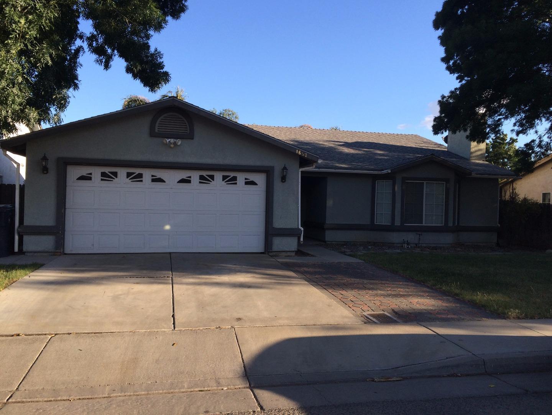 Maison unifamiliale pour l Vente à 1657 Jones Street 1657 Jones Street Dos Palos, Californie 93620 États-Unis