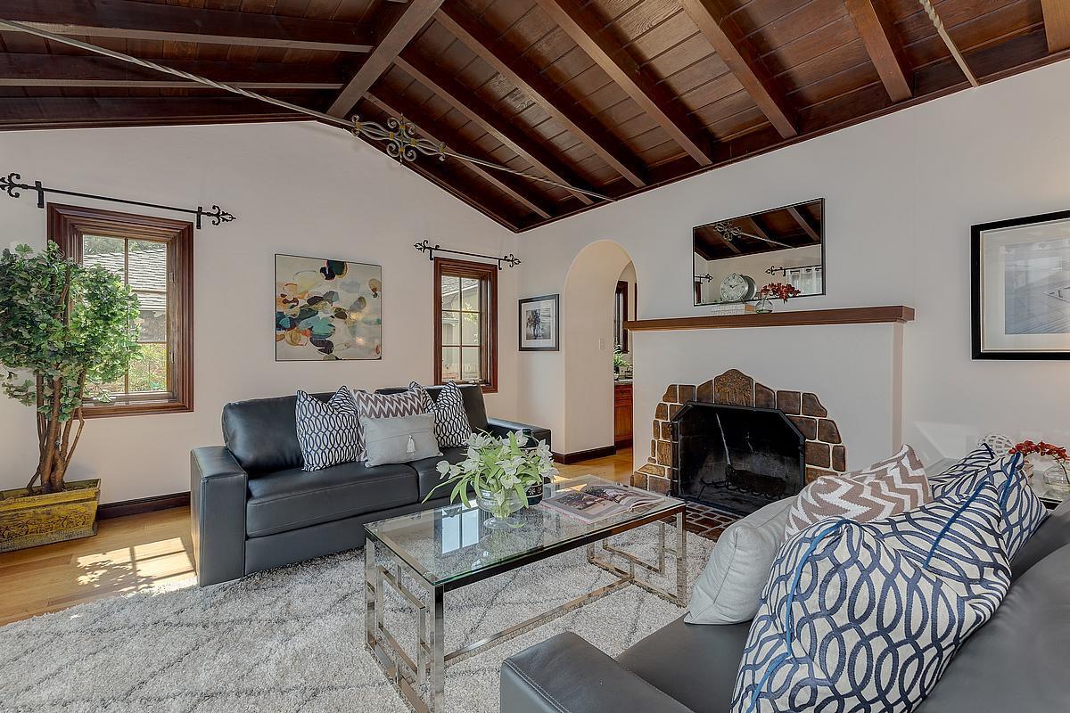 Частный односемейный дом для того Продажа на 1648 Walnut Street San Carlos, Калифорния 94070 Соединенные Штаты