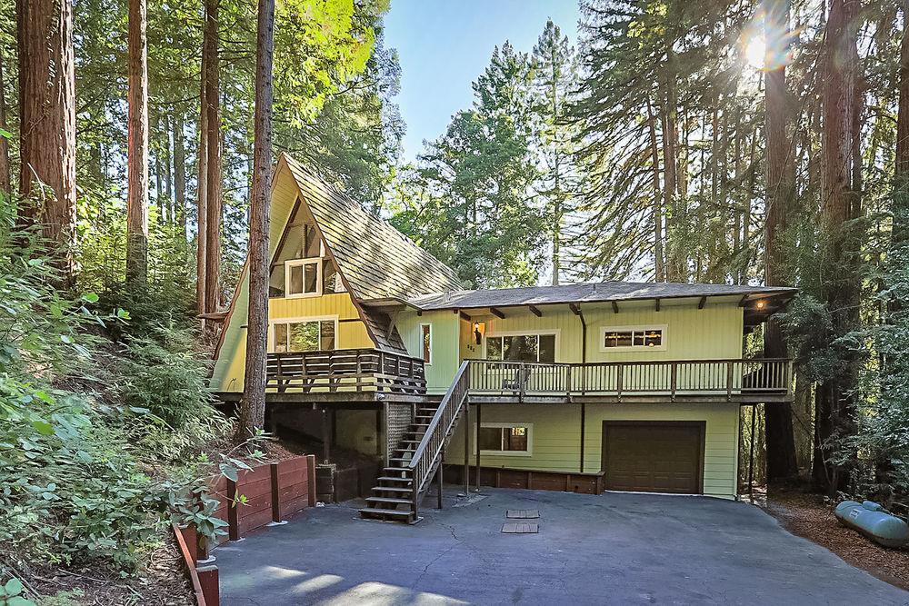Maison unifamiliale pour l Vente à 130 Fairmount Drive 130 Fairmount Drive Boulder Creek, Californie 95006 États-Unis