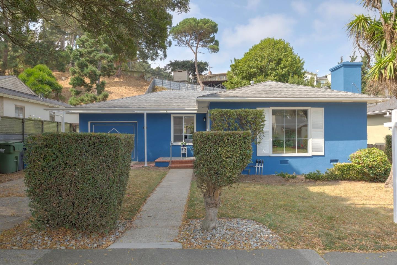 Maison unifamiliale pour l Vente à 564 Macarthur Drive 564 Macarthur Drive Daly City, Californie 94015 États-Unis