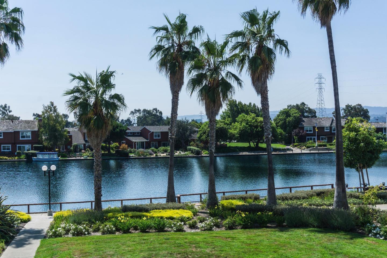 Eigentumswohnung für Verkauf beim 912 Beach Park Boulevard Foster City, Kalifornien 94404 Vereinigte Staaten