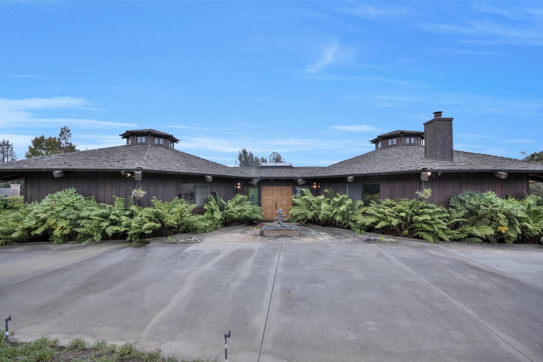 Casa Unifamiliar por un Venta en 19220 Pioneer Place 19220 Pioneer Place Aromas, California 95004 Estados Unidos