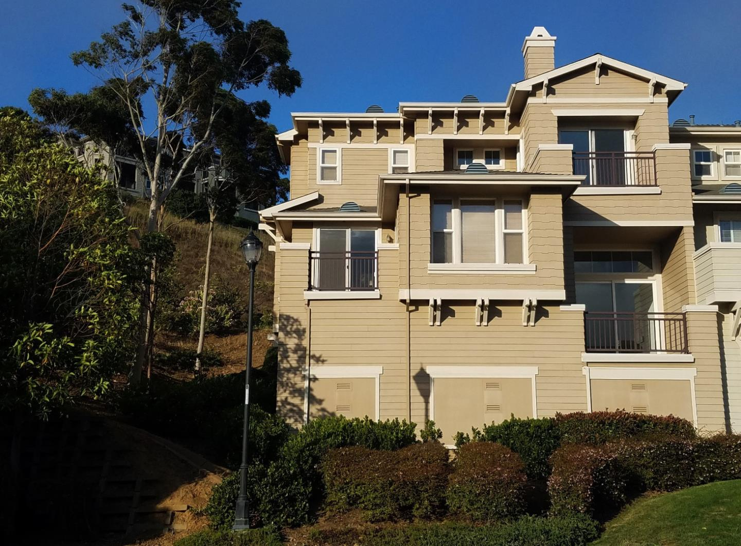 Townhouse for Sale at 225 Fox Sparrow Lane Brisbane, California 94005 United States