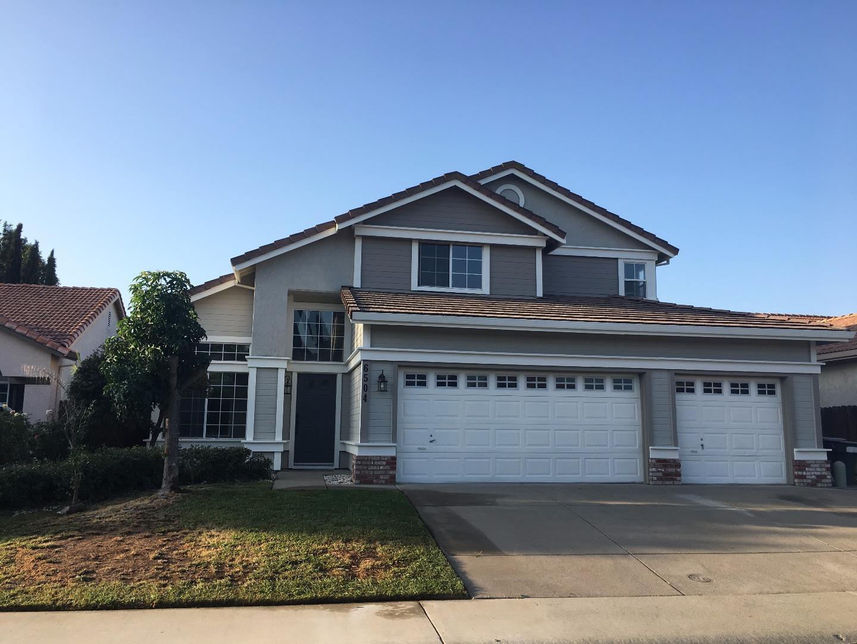 Частный односемейный дом для того Продажа на 6504 Blue Spruce Court Elk Grove, Калифорния 95758 Соединенные Штаты