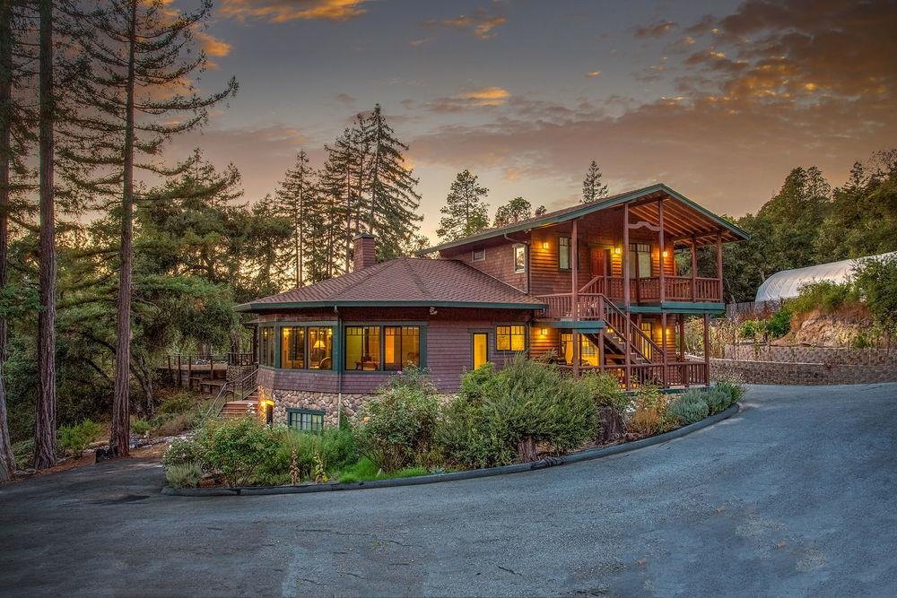 Casa Unifamiliar por un Venta en 900 Pedro Avenue 900 Pedro Avenue Ben Lomond, California 95005 Estados Unidos