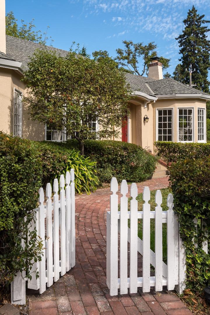 Частный односемейный дом для того Продажа на 600 W Poplar Avenue San Mateo, Калифорния 94402 Соединенные Штаты
