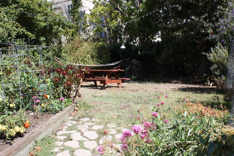 Einfamilienhaus für Mieten beim 417 Walnut Street 417 Walnut Street San Carlos, Kalifornien 94070 Vereinigte Staaten
