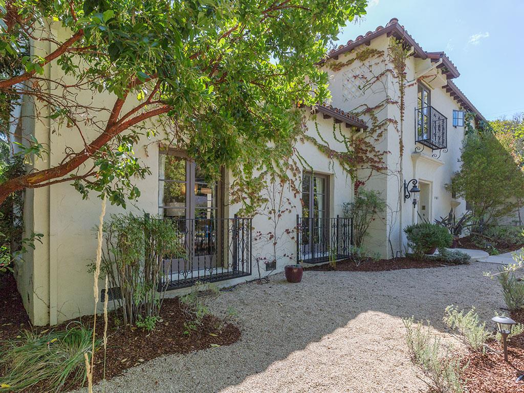 واحد منزل الأسرة للـ Sale في 901 Bromfield Road 901 Bromfield Road San Mateo, California 94402 United States