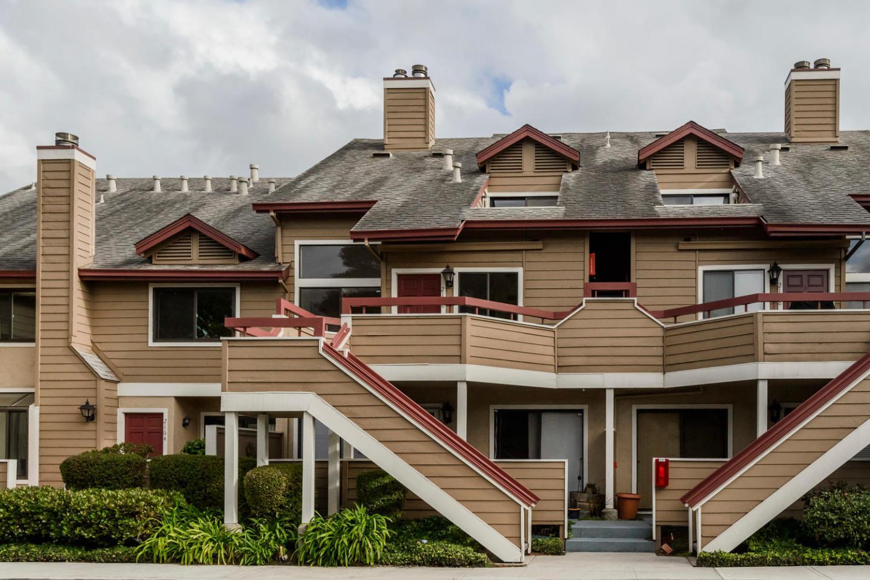 Maison accolée pour l Vente à 2160 Vista Del Mar 2160 Vista Del Mar San Mateo, Californie 94404 États-Unis