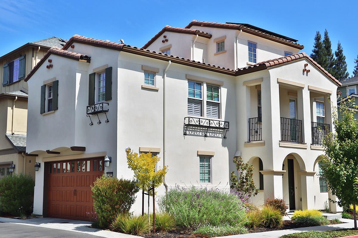 Частный односемейный дом для того Продажа на 100 Avellino Way 100 Avellino Way Mountain View, Калифорния 94043 Соединенные Штаты