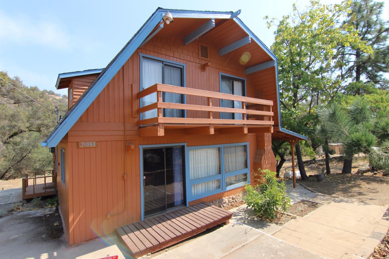 Casa Unifamiliar por un Venta en 31083 Bear Paw Way 31083 Bear Paw Way Coarsegold, California 93614 Estados Unidos