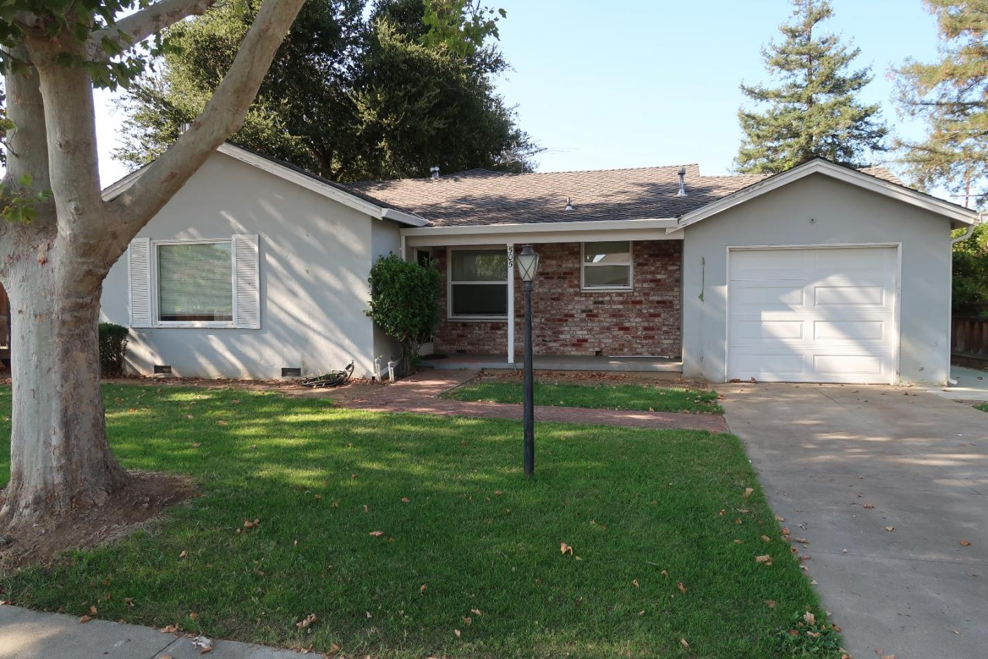 Single Family Home for Rent at 505 Broadway 505 Broadway Gilroy, California 95020 United States