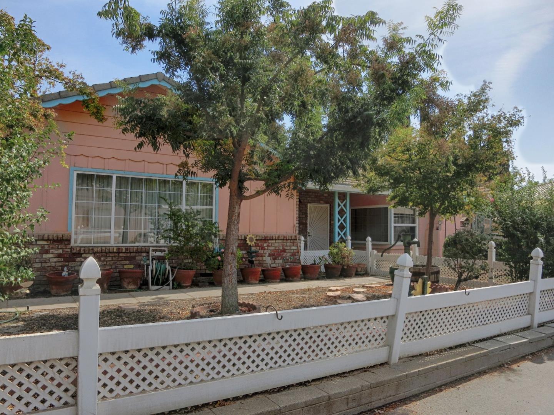 Maison unifamiliale pour l Vente à 3772 E Redwood Road 3772 E Redwood Road Ceres, Californie 95307 États-Unis