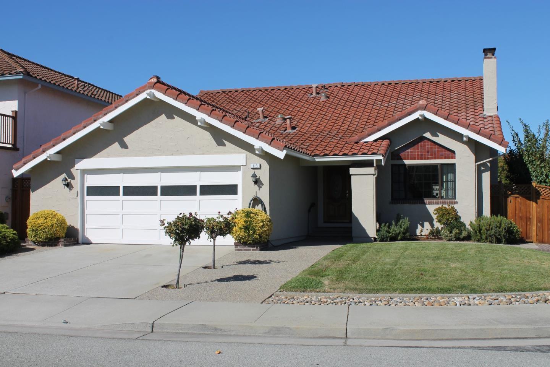 Single Family Home for Rent at 113 Woodbridge Circle 113 Woodbridge Circle San Mateo, California 94403 United States