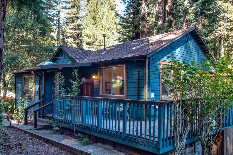 Maison unifamiliale pour l Vente à 564 Lilac Avenue 564 Lilac Avenue Boulder Creek, Californie 95006 États-Unis