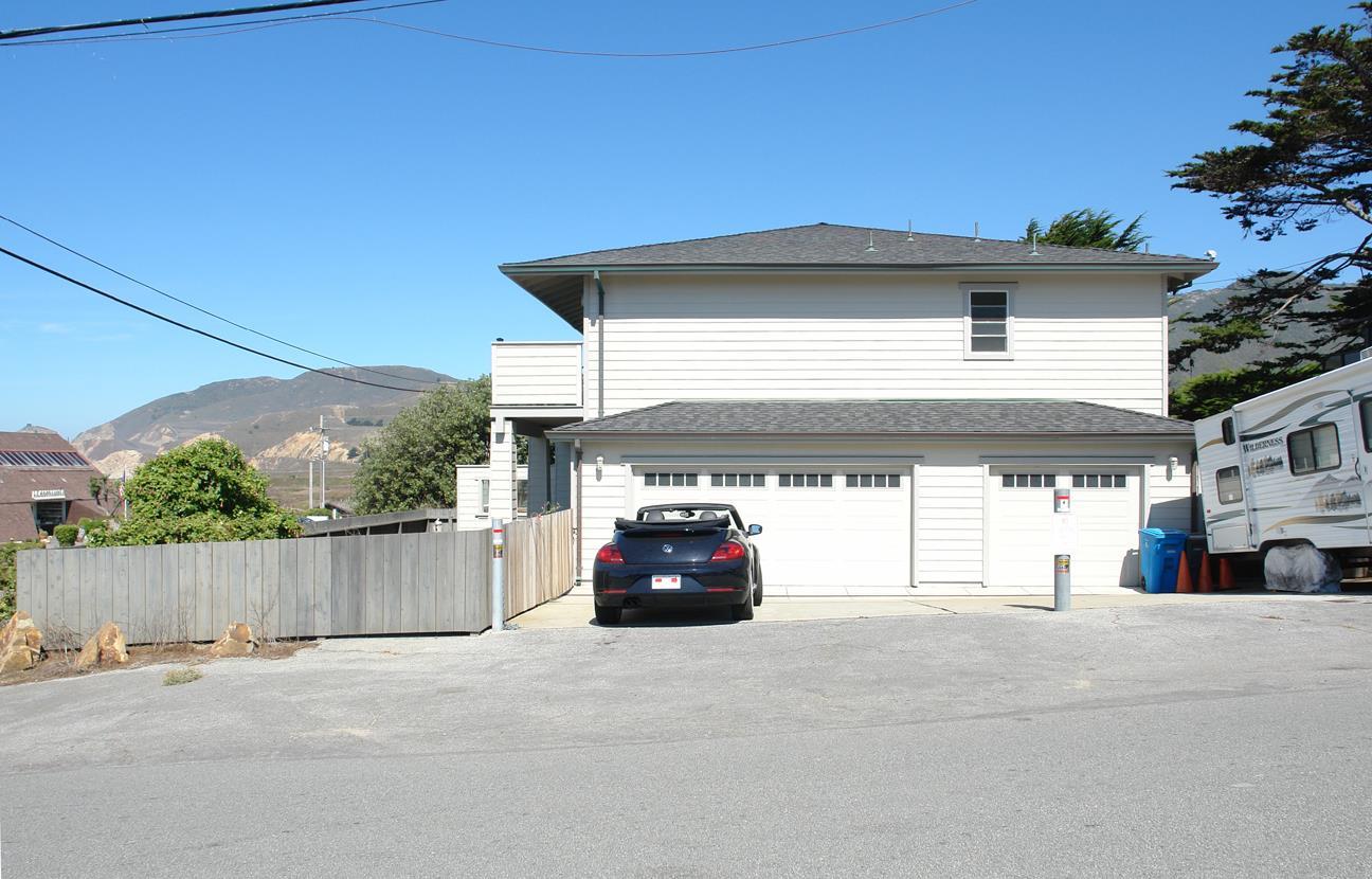 Casa Unifamiliar por un Venta en 8149 Cabrillo Highway 8149 Cabrillo Highway Montara, California 94037 Estados Unidos