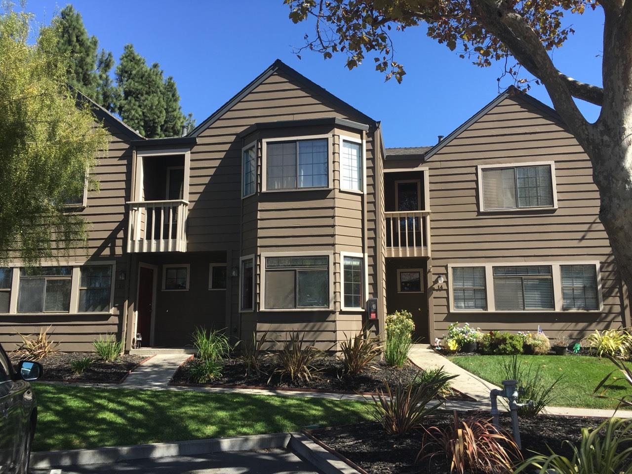 Casa unifamiliar adosada (Townhouse) por un Venta en 140 Gibson Drive 140 Gibson Drive Hollister, California 95023 Estados Unidos