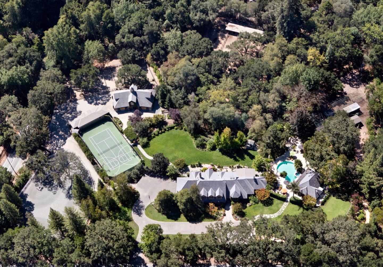 Maison unifamiliale pour l Vente à 155 Kings Mountain Road 155 Kings Mountain Road Woodside, Californie 94062 États-Unis