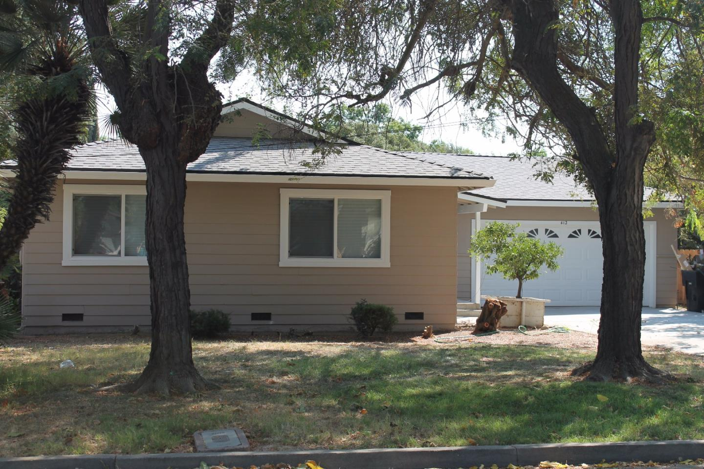 Casa Unifamiliar por un Venta en 412 Sycamore Avenue 412 Sycamore Avenue Gustine, California 95322 Estados Unidos