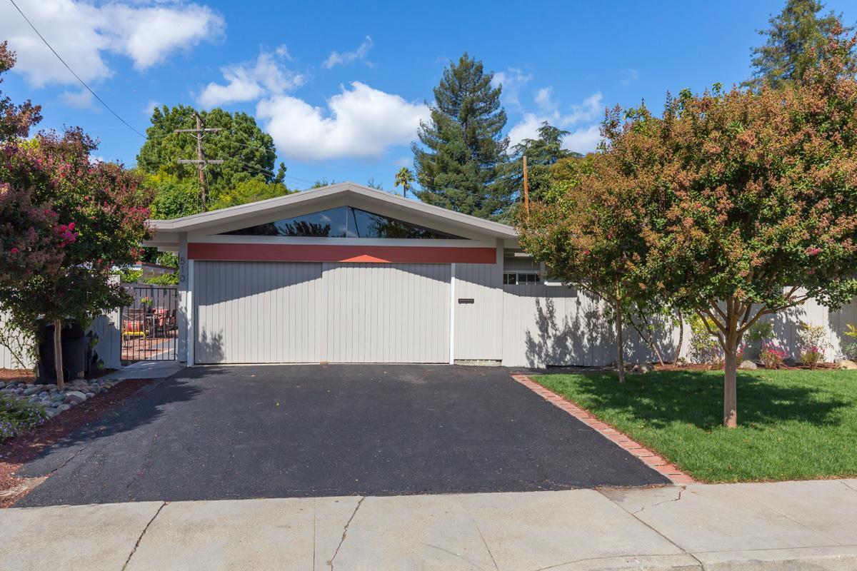 Частный односемейный дом для того Продажа на 510 Emmons Drive 510 Emmons Drive Mountain View, Калифорния 94043 Соединенные Штаты