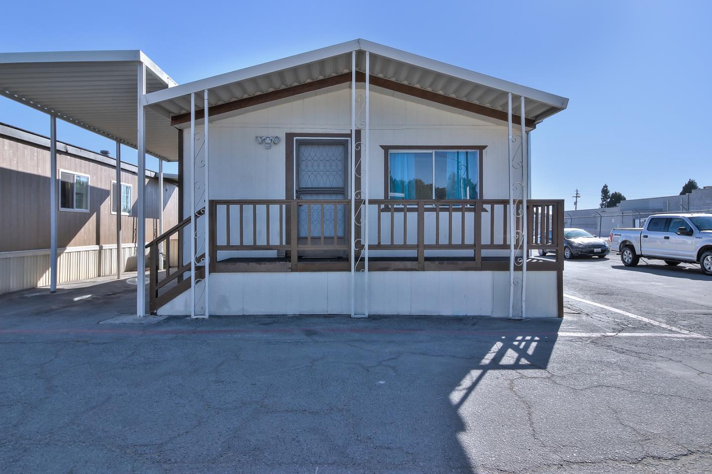 Частный односемейный дом для того Продажа на 1954 Freedom 1954 Freedom Freedom, Калифорния 95019 Соединенные Штаты