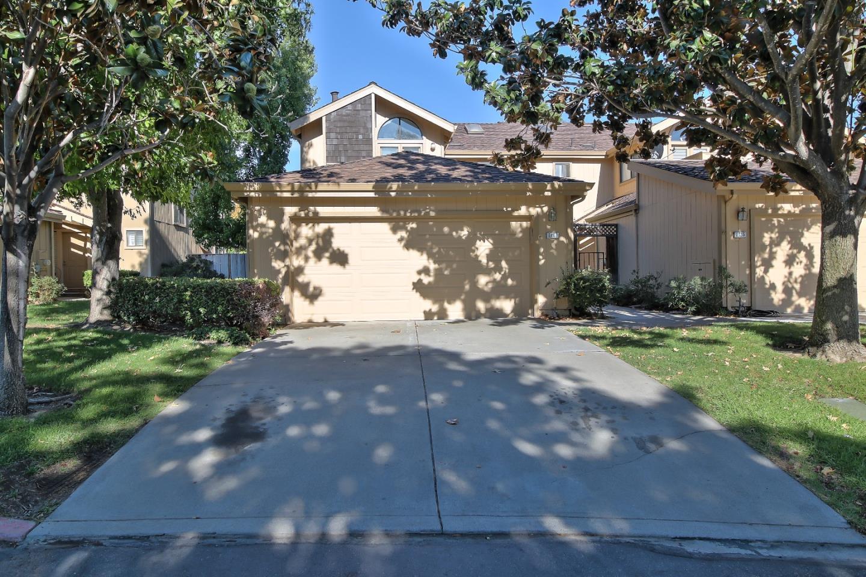 Townhouse for Sale at 2167 Darnis Circle 2167 Darnis Circle Morgan Hill, California 95037 United States