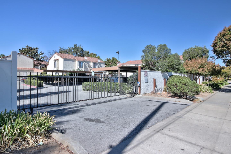 Кондоминиум для того Продажа на 8105 Kern Avenue 8105 Kern Avenue Gilroy, Калифорния 95020 Соединенные Штаты